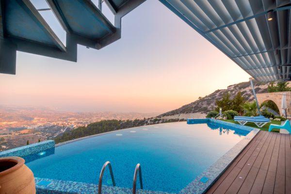 « L'immobilier de prestige échappe-t-il à la crise? », mardi 12 janvier 2021 à 17h